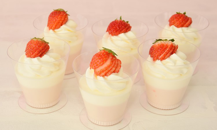 3253_strawberrypannacotta_l
